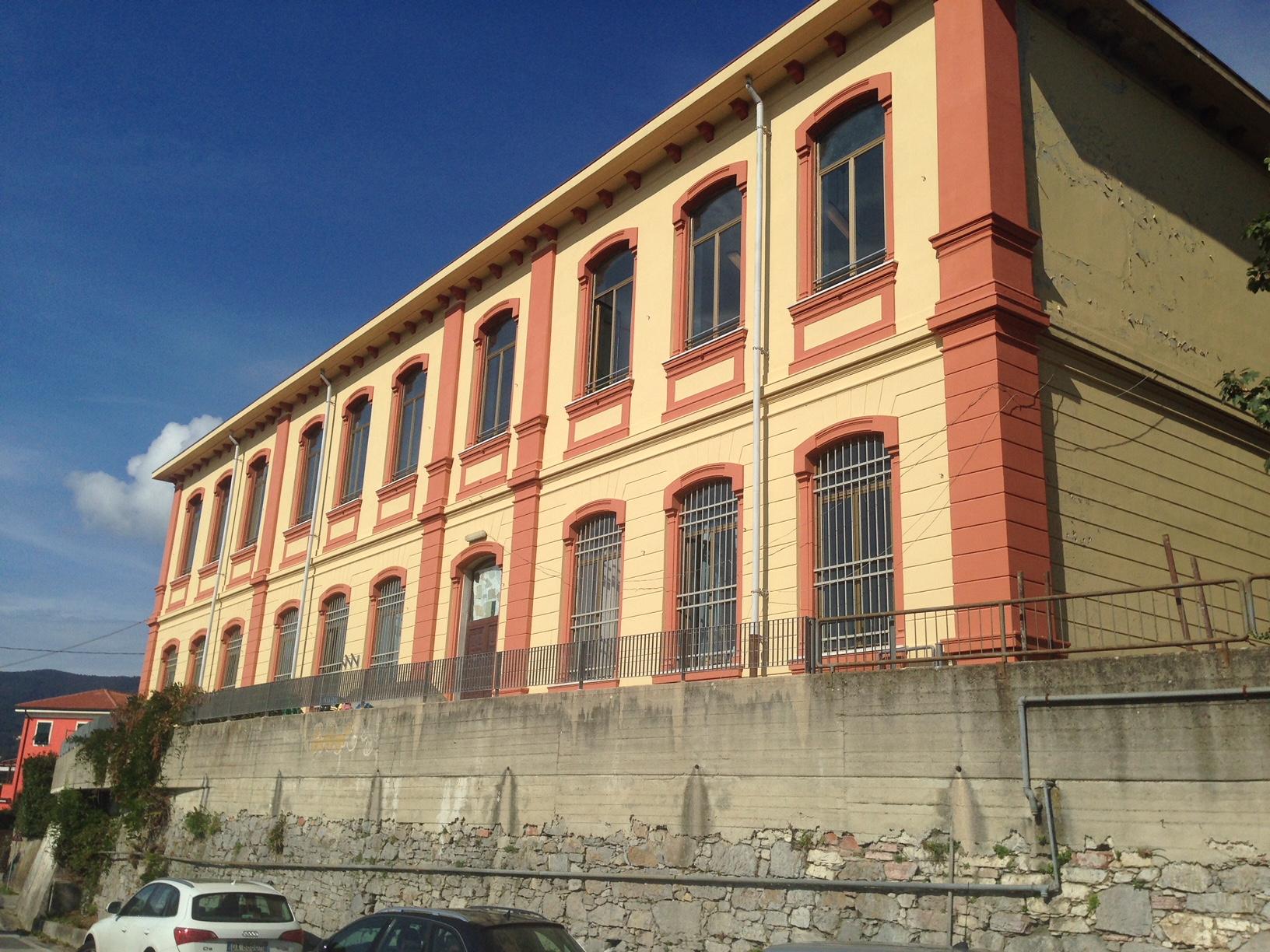 Scuola Stra facciata ultimata